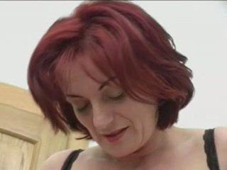 Ruda granny-beauty anal na stairs