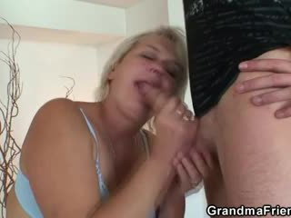 Gammel blond pleases two studs