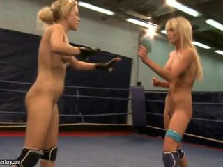 Laura kristal ve michelle soaked fighting stripped
