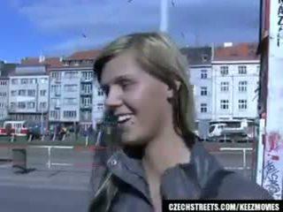 Çehiýaly streets - ilona takes nagt pul for jemagat öňünde sikiş