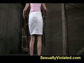 Casey calvert gets gebonden gemaakt naar sperma 1