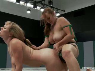 Adrianna nicole és bella rossi játék szex játék xxx játék együtt együtt -val egy strapon helyette a bírkózás