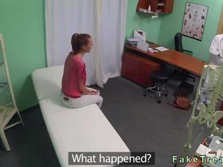 Barna segg licked és szar által doktor videó