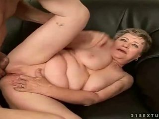 Mature bitch gets her hairy pussy fucked