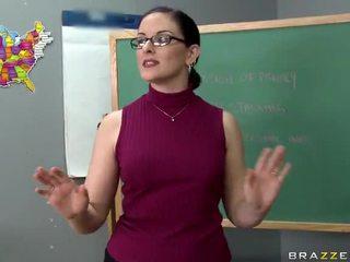 Tristyn kennedy fucks a big kontol in the kelas video