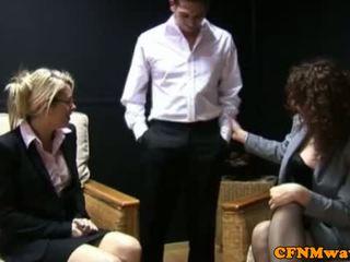 Cfnm hj loving επιχείρηση γυναίκες toying με guys