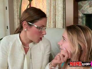 Tini ava hardy shares fasz -val lépés anya