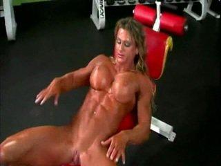 Γυμνός/ή bodybuilder κυρία με μεγάλος κλειτορίδα