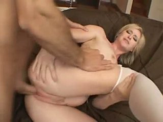 Palatable Babe Naomi Cruise Receives A Perfect Cumshot On Her Mouth