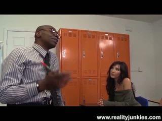 Реалност junkies: черни учител дупе drills мама с съпруг гледане