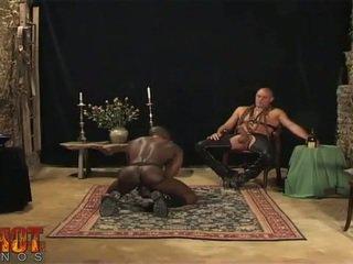 Suullinen seksi engulfing orja
