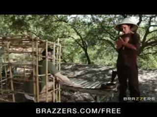 Splendido asiatico bruna london keyes teases suo prisoner