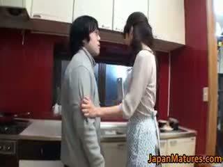 श्यामला, जापानी, समूह सेक्स, बड़े स्तन