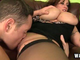 Incredibly גדול שדיים ב the סקסי קוגר הזונה eva notty