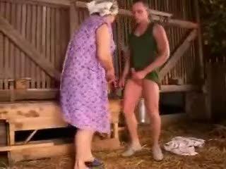 Chất béo mũm mĩm bà nội fucked lược