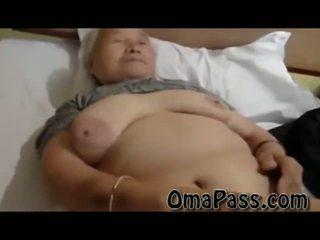 מאוד ישן שמן japanes סבתא מזיין כך קשה עם אחד אדם וידאו