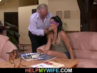 Vicious esposa gets follada en frente de su marido