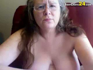 फॅट अग्ली ग्रॅनड्मा uses सेक्स टोय्स को masturbate