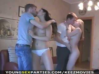 צעיר סקס parties - שנתי העשרה של זיון ב pairs ו - יותר
