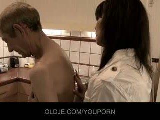 Crusty oldman fucks dengan beliau wanita doktor