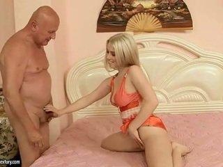 Kedves tini having szex -val nagypapa