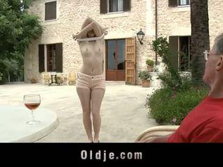 Oldje: denisa heaven screwed poolt an vana mees outdoors