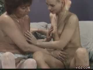 Sex starved Agna seeks aid of chick bitch