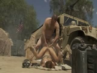 Excited jadra holly receives مارس الجنس شاق و cummed بواسطة an جيش soldier