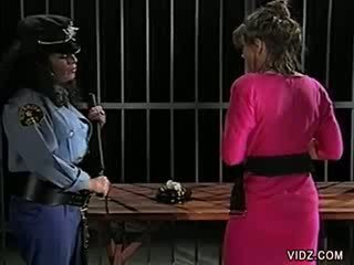 Raven and Jade make out in Jail cell