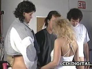 Samantha silný blondýna naivka satie tri cocks