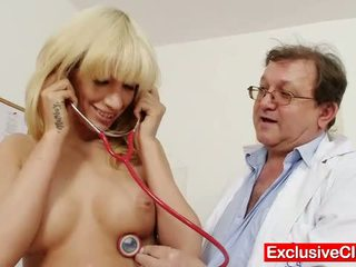 Blonde Bella Morgan visit gynoclinic to have her p
