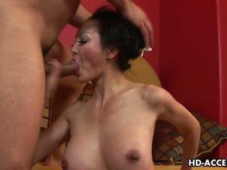 كبير الثدي, شرجي, الآسيوية
