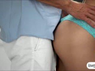 Tudo natural miúda natalia starr teases dela bf em erótico sexo