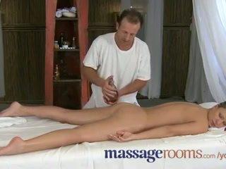 Masažas rooms innocent jaunas clits are aroused iki suaugę masseuse fingers