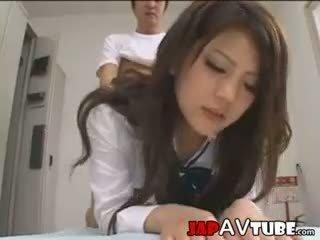 Nhật bản nư sinh và của họ janitor