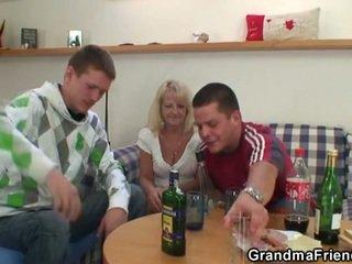 酔った, おばあちゃん, 4人組
