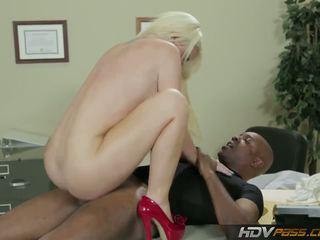 skutočný blondínky menovitý, každý veľké prsia, sledovať paroháč