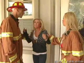 Veliko oprsje firewoman nikki benz