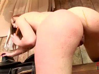 Gitta gaišmatis needs viņai oozing kampiens fucked līdz vairāk tad šī dildo
