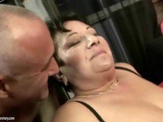 Grasso nonna enjoys sporco difficile sesso