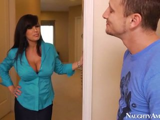 Bigtitted reif lisa ann has got laid