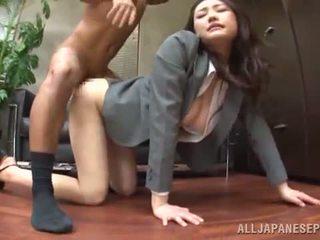 Tsuna nakamura has banged в an хороший позиція в an офіс