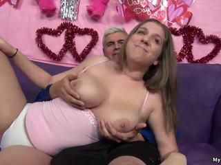 Sexy brunette alex sjanse gets henne fitte fingered