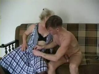 Szexi nagymama lena és alex