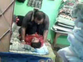Läkkäämpi kimainen pakistanilainen pari enjoying lyhyt muslim seksi session