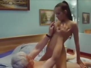 पिता gets sons गर्लफ्रेंड, फ्री 18 years पुराना पॉर्न वीडियो 35