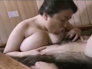 Asiatisch reif bbw mariko pt2 bath (no censorship)