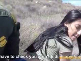 Секси латински мадама kimberly gates gets pounded от patrol мъж