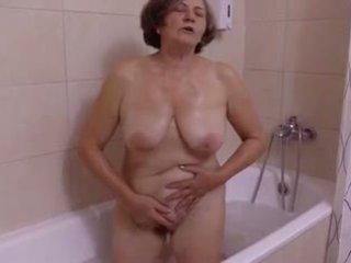 Une belle изненада au salle de bain от clessemperor