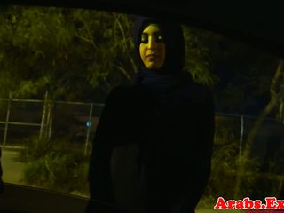 Arab hijabi 性交 在 被禁止 緊 的陰戶: 免費 色情 74